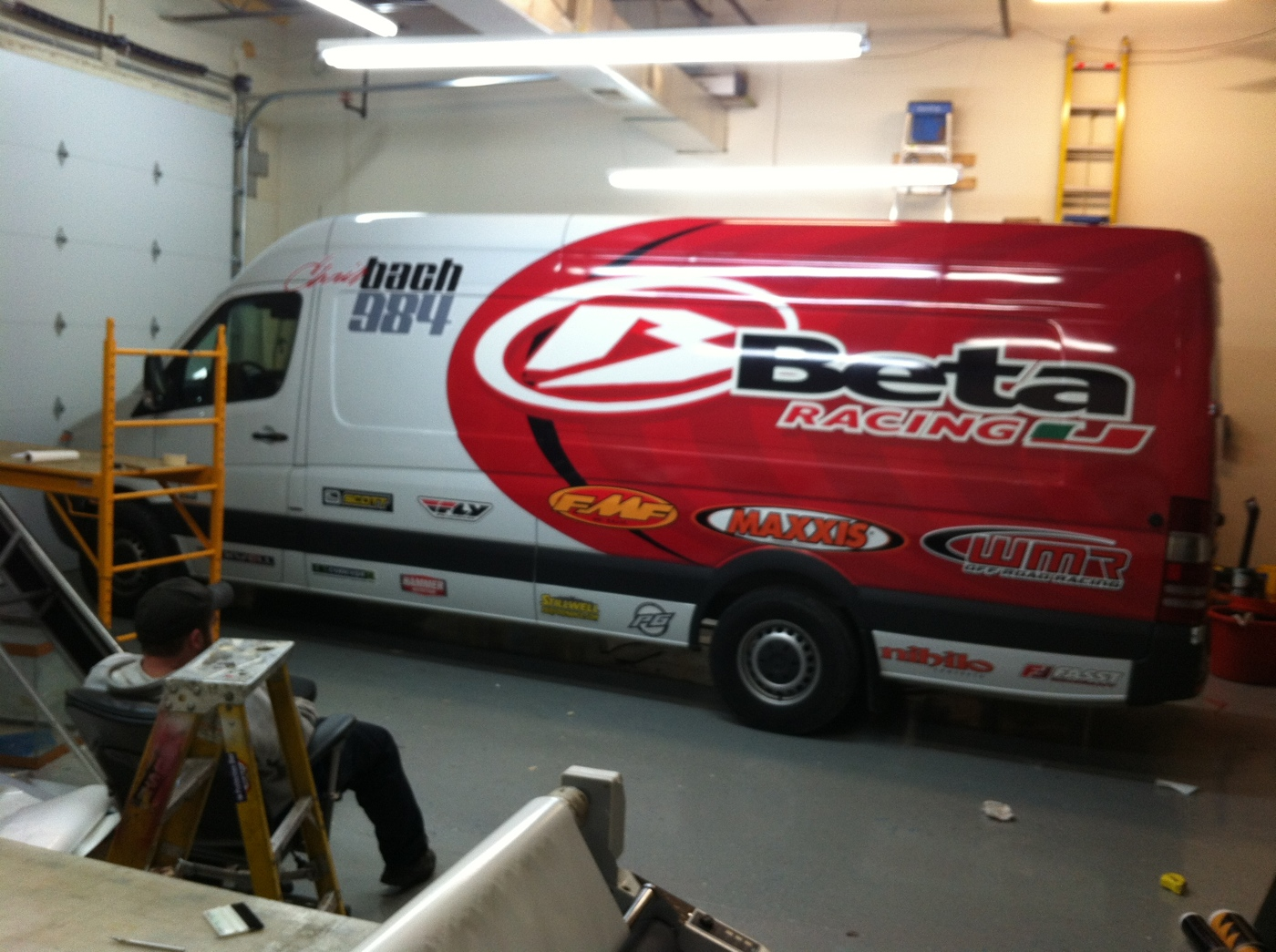 on van wraps graphics